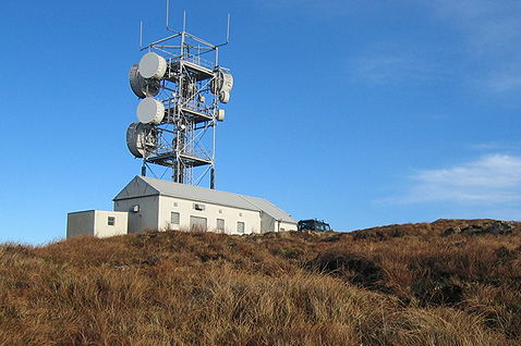 Telecoms mast on Scoval, in the northwest corner of Skye. Picture: John Allan /  Wikimedia Commons